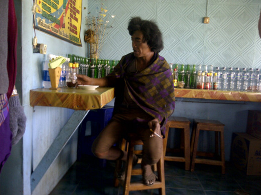 A Tenggerese, the Bromo local man.