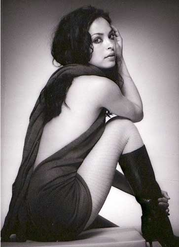Hot pic of Kristin Kreuk, black and white