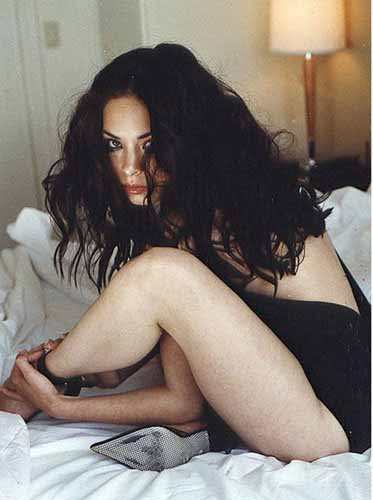 more legs showing by Kristin Kreuk sexy pix