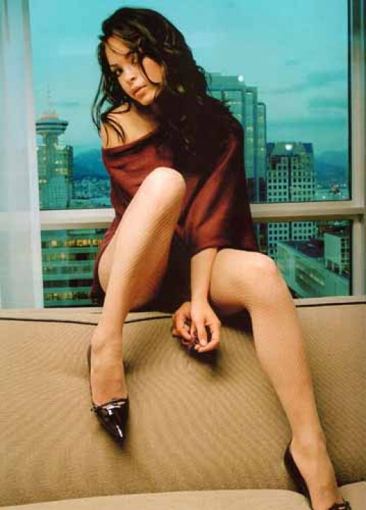 Hot legs by Kristin Kreuk