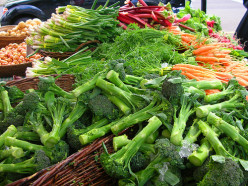 Fresh vegetables of any kind make a wonderful side dish for shepherd's pie.