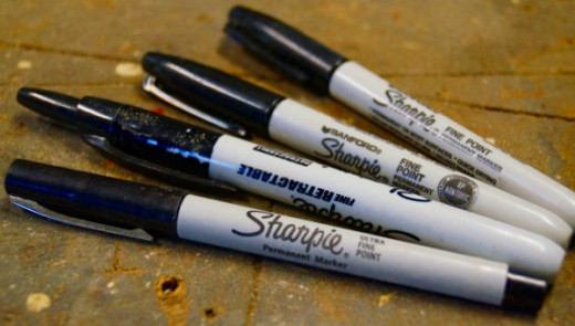 Here is my collection of black Sharpies of varying thickness.