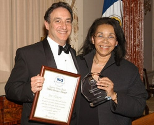 Ira Flatow receiving the National Science Board Public Service Award in 2005.