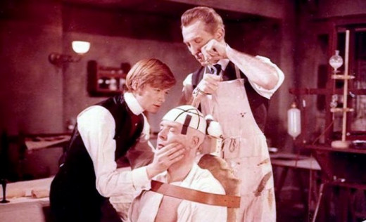 Simon Ward, Freddie Jones and Peter Cushing in Frankenstein Must be Destroyed (1969)