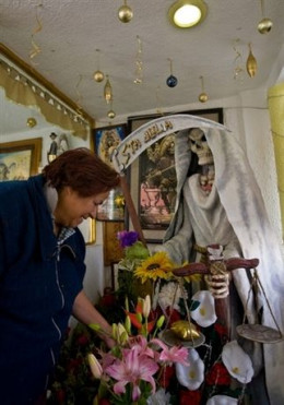 The Catholic Church considers the followers of the Holy Death, of course, as members of a sect. According to the Church, the cult of Santa Muerte refers to the pagan tradition and a denial of the doctrine of Christ, who conquered death.