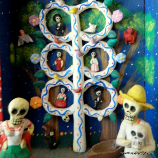 Traditional figurines used in altars for the Day of The Dead.