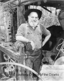 SHAD HELLER BLACKSMITH AT SILVER DOLLAR CITY GUEST STAR