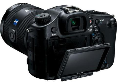 Most DSLRs use CMOS or APS sensors