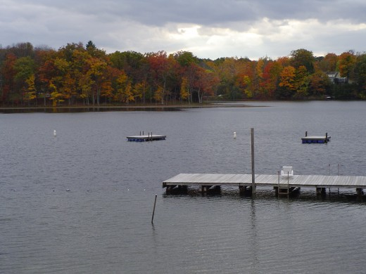 The lake with fall colors