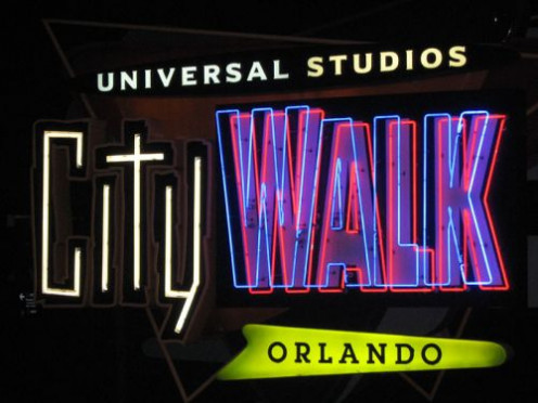 City Walk is a a lot of fun and something you should consider doing if traveling here. Lots of clubs and themed restaurants await you at City Walk.