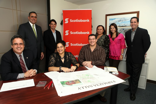 Jesus and Carmen Serrano Justino with Scotia Bank reps.