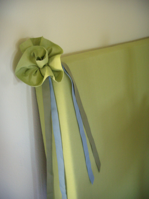 Beautiful fabric flower to garnish a headboard, lamp, ponytail, or anything of your choosing.