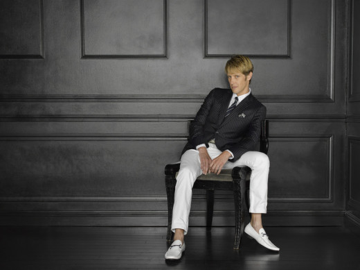 Gabriel Mann, looking suave and tricky as Nolan Ross.  I will not lie to you all.  Nolan is my absolute favorite.