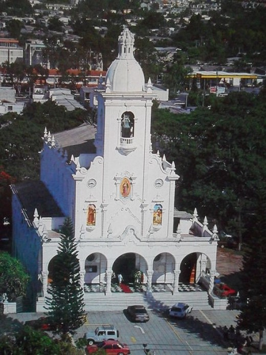 The Basilica of Our Lady of Guadalupe in San Salvador, El Salvador was photographed by Teko salvadoreño on December 4, 2010.