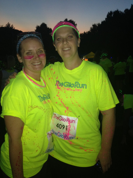 GLO Run Twin Cities 2012 made a great Girls Night Out for my friend and I!