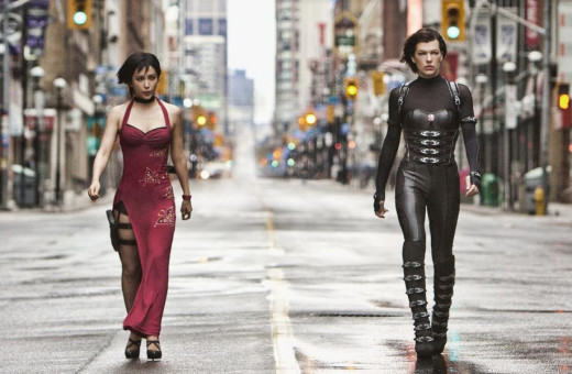 Screen shot of Alice and Ada in Resident Evil: Retribution