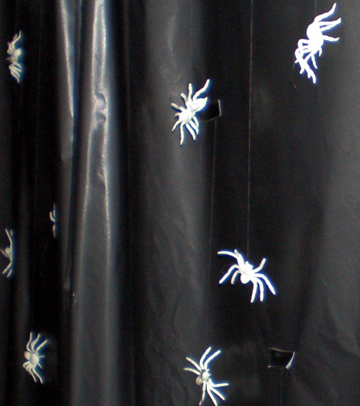 Creepy crawly glow-in-the-dark spiders!