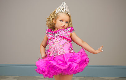 Alanna captured the producers of TLC's Toddlers and Tiara's show so much she got her own show! Let me say it is a laugh  out loud good time!