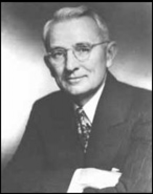 Dale Carnegie (Image courtesy of Wikipedia.org)