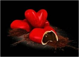 Amore  A divine red heart of dark chocolate ganache infused with bergamot, enclosed in velvety white chocolate.
