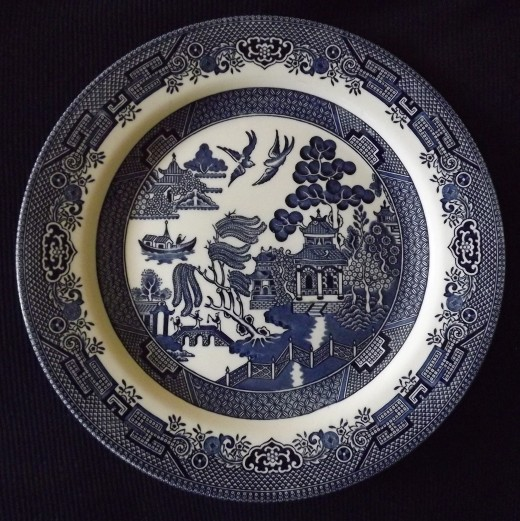 Churchill Staffordshire Blue Willow Dinner Plate