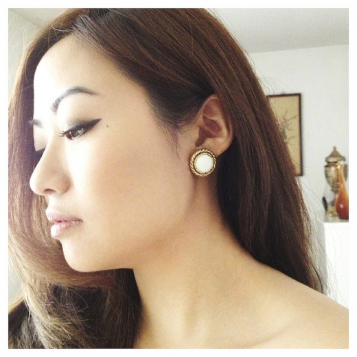 Et voila! You've made yourself a chic pair of earrings. Now wasn't that easy?