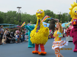 Big Bird leading the parade at Sesame Place