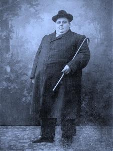 A Wealthy Victorian-era Gentleman. Women Who Love Big Men