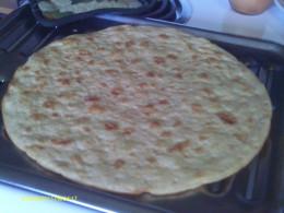 Taste Test Failure:  Pre-made commercial pizza pie.