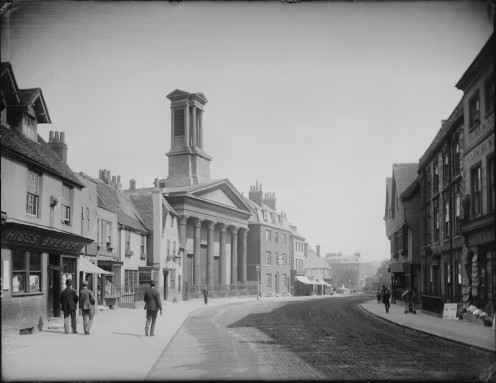 Castle Street, Reading in 1890, with St Mary's Episcopal Chapel