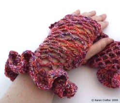 Rufflemitts: Free Crochet Wristwarmers Pattern