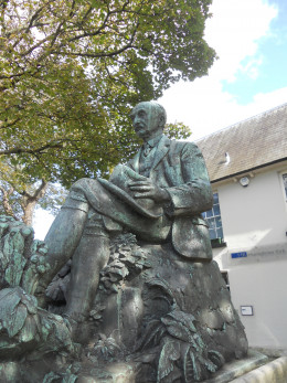 Thomas Hardy's statue in Dorchester