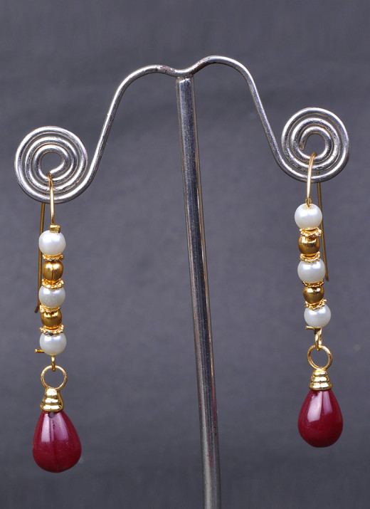 Stylish Beads Enhanced Polki Earrings. Used with Permission from Cbazaar.