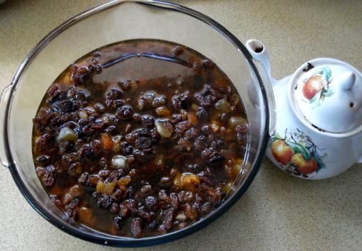 Soak the fruit in hot black tea