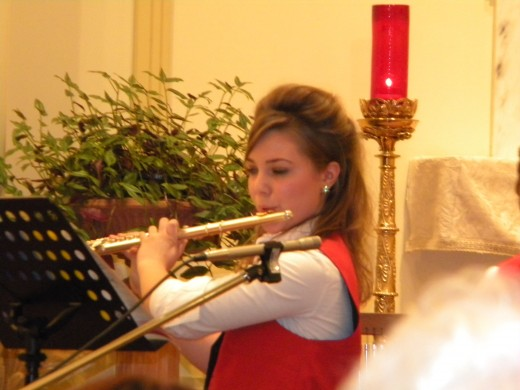 Anna-Sophia experienced her first Halloween, Thanksgiving, and decorating for Christmas in American fashion. She also put her talent for the flute to work by playing in two Christmas concerts for my chorus.
