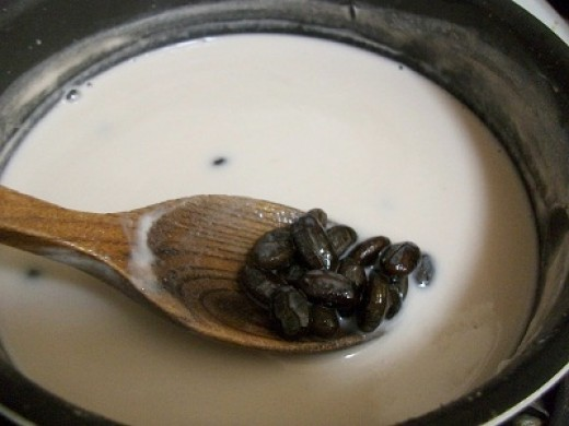 Black Beans in Coconut Milk
