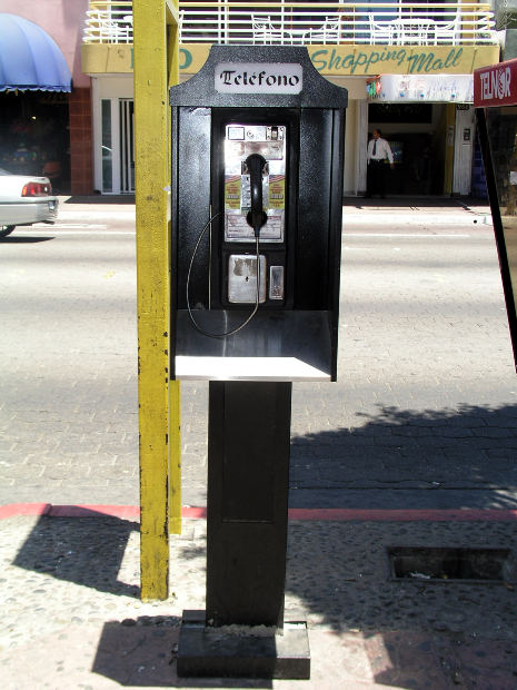 payphones are becoming obsolete thanks to cell phones