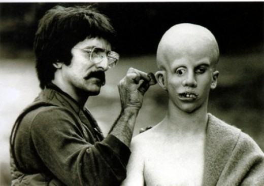 Make-up artist Tom Savini working on the young deformed Jason Voorhees (Ari Lehman)