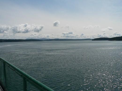 sailing toward Fridays Harbor