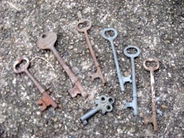Most of my skeleton keys are packed up for moving. These here are just some recent finds from a yard sale that had them for 25 cents a piece.