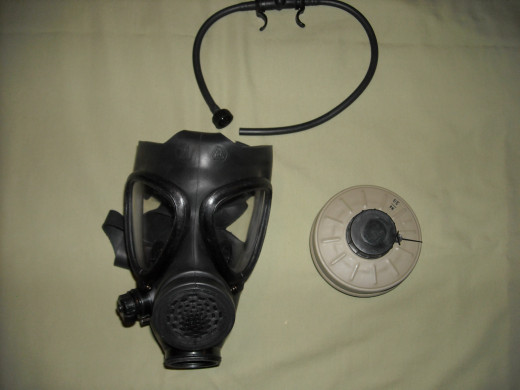 Israeli M-15 gas mask