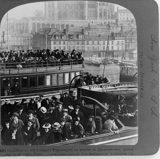 """Irish emigrants on their way to the """"coffin ships"""""""