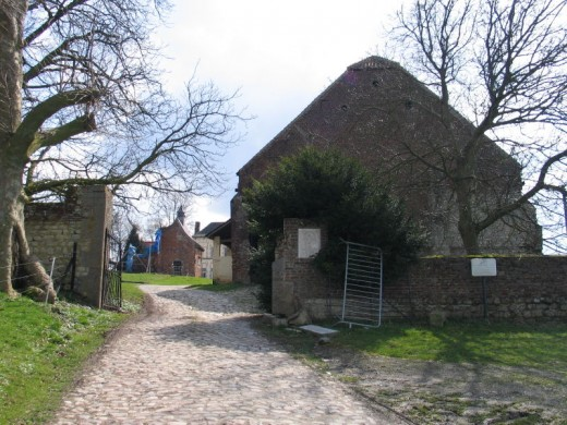 This is the gate on the north side of the Hougoumont Estate today.