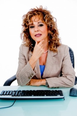 Becoming a virtual assistant is a great way to make some extra money right from the comfort of your own home.