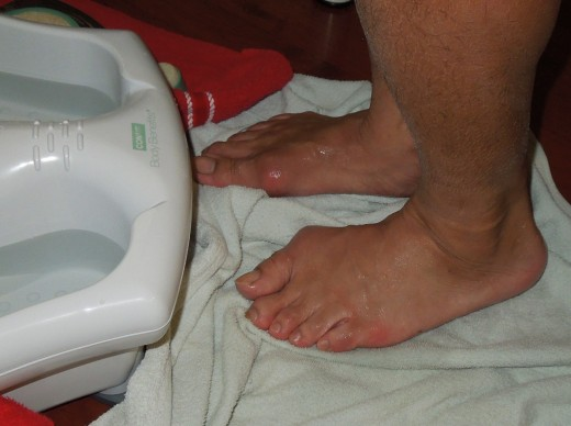 Dry the feet after they are clean