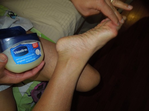 Apply petroleum jelly on the feet