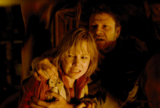 Heather (Clemens) and her father (Bean) in Silent Hill: Revelation