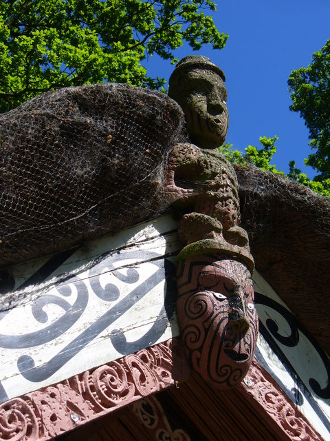 Another Maori carving.