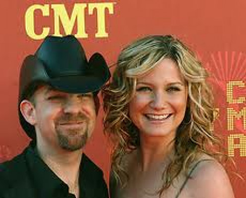 Sugarland  Inside of Country Today, Issue 5 Volume 12. SugarLand has performed all over the country performing catchy and often moving songs.