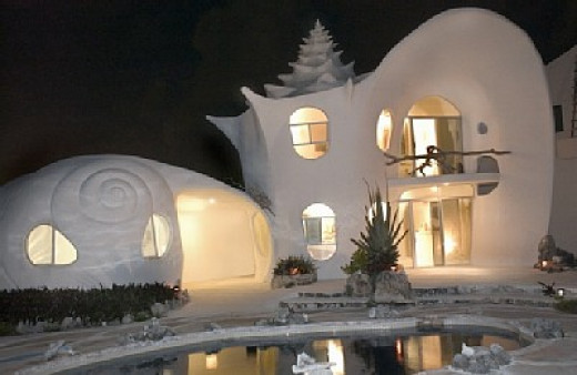 Conch Shell House at night